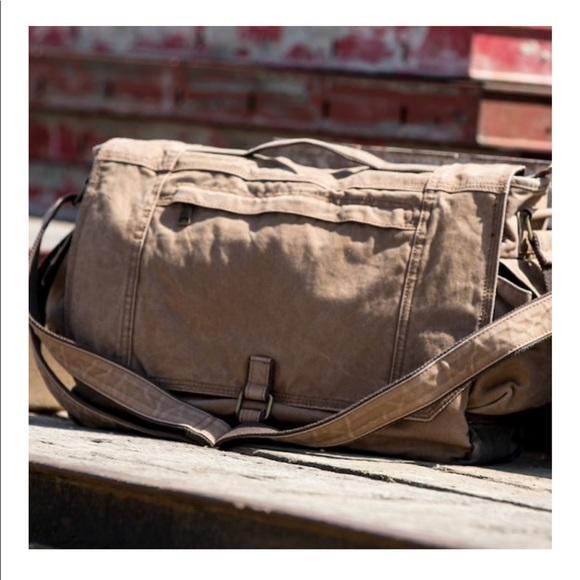 32641f63b63e dri-duck Handbags - Dri-duck messenger bag style 1036 NWT 12 oz canvas